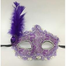 """Карнавальная маска """"Фиолетовая с перьями"""" арт.75242"""